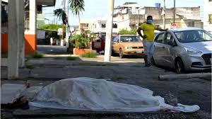 Les morts de Coronavirus dans les rues en Equateur